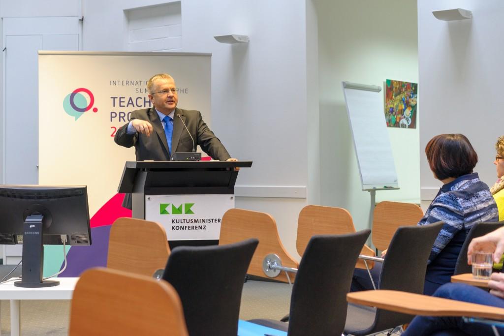 Laurence Nodder, CEO, UWC Robert Bosch College (Stuttgart, Germany)